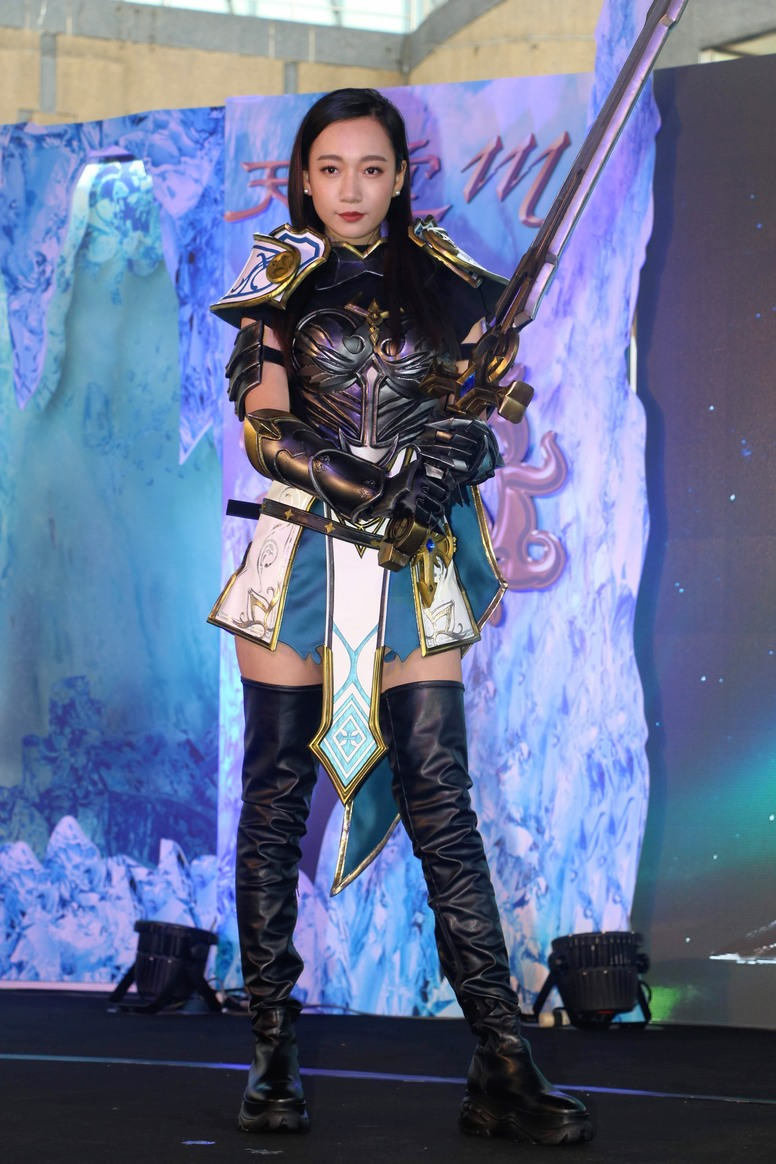 《天堂 M》女角限定职业「神圣剑士」明日登场 推出地图「古龙圣地」